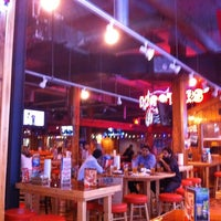 Photo taken at Hooters by Robson S. on 6/29/2011