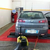 Photo taken at Auto24 Officina autorizzata Kia motors by ElettronicAbate on 8/24/2011
