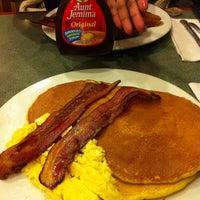 Photo taken at Ridgewood Eats by Justine S. on 4/28/2012