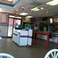 Photo taken at Taco Bell by Ben B. on 7/26/2011