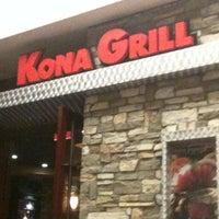 Foto tomada en Kona Grill por Kendall P. el 6/4/2012