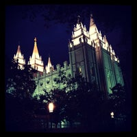 Photo taken at Temple Square by Yankinu on 5/27/2012