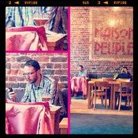 Photo prise au Café Maison du Peuple par Izo le5/18/2012