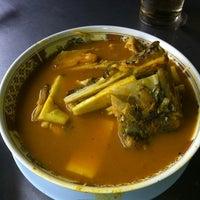 Photo taken at สวนอาหารโกเหมี้ยง by C'da on 1/14/2012
