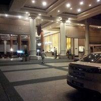 Photo taken at Holiday Inn Glenmarie by Jesen K. on 9/9/2012