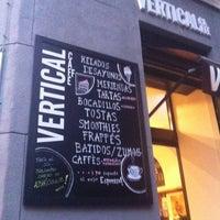 9/8/2012 tarihinde Marta G.ziyaretçi tarafından Vertical Caffé'de çekilen fotoğraf