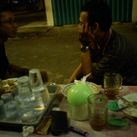Photo taken at Pecel Suzanna (Kertajaya Raya) by ahmad s. on 8/19/2011