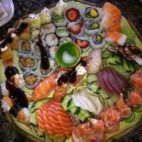Foto tirada no(a) Cheri Sushi por Adriano S. em 12/4/2011
