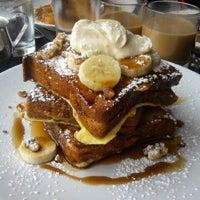 Foto diambil di Lula Café oleh L A U R A pada 11/6/2011