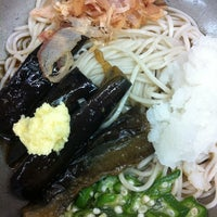 Photo taken at 小諸そば 九段下店 by Satoshi H. on 6/14/2012