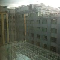 Das Foto wurde bei Dorint Hotel am Heumarkt Köln von оГдҒ Қ. am 9/4/2011 aufgenommen