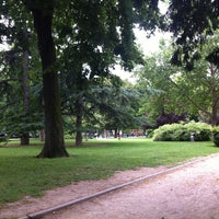 Photo taken at Jardin du Ranelagh by martin p. on 6/29/2012