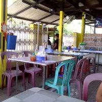 Photo taken at Bakmi petak 9 gading mas by aBenk X. on 3/6/2011