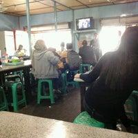 Photo taken at Bubur Ayam Bunda by Nitta R. on 1/21/2012