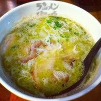 Photo taken at Ramen Unari by オレオパパ 上. on 1/27/2012