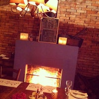 Foto tirada no(a) Constantino Café por Diego F. em 7/29/2012