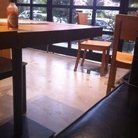 10/15/2011 tarihinde Bulent O.ziyaretçi tarafından Burger House'de çekilen fotoğraf
