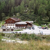 Photo taken at Alpengasthof Lucknerhaus by Johansho on 8/30/2012