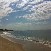 Снимок сделан в Ditch Plains Beach пользователем Andrea B. 7/3/2012