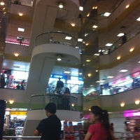 Photo taken at Lucky Plaza by Ramesh J. on 7/29/2011