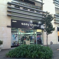 Photo taken at Sony Store by Felipe B. on 1/24/2011