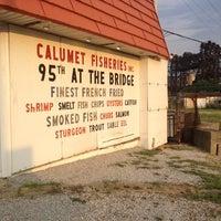 Foto tirada no(a) Calumet Fisheries por Alex L. em 7/14/2012