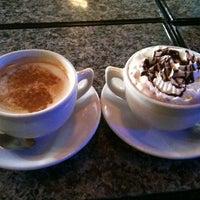 Foto tomada en Gypsy Coffee House por Kimberly M. el 5/13/2012