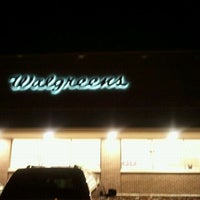 Photo taken at Walgreens by Terinney W. on 5/29/2011