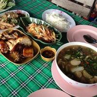 Photo taken at ครัวศรีพนม สัมมากร by Pui W. on 7/29/2012