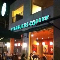 Foto tirada no(a) Starbucks por Felipe A. em 11/2/2011