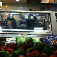 6/1/2012 tarihinde Jenova 7ziyaretçi tarafından Subway'de çekilen fotoğraf