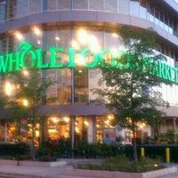 รูปภาพถ่ายที่ Whole Foods Market โดย Kent P. เมื่อ 6/23/2012