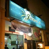 Photo taken at Restoran Juan's Seafood by هوزايفه أويس on 7/17/2012