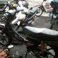 Photo taken at Kedai Motosikal Hweng Ho Motor by cHiCaGo b. on 5/23/2012