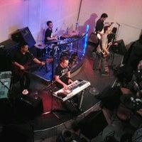 Photo taken at Strumm's by Je D. on 5/31/2012