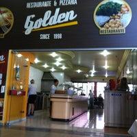 Foto tirada no(a) Restaurante Golden Grill por Rodrigo C. em 4/1/2012