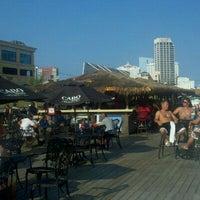 รูปภาพถ่ายที่ Bally's Bikini Beach Bar โดย Stephanie M. เมื่อ 8/18/2011