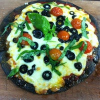 Foto tomada en Isabella's Restaurant por Jose Miguel S. el 4/21/2012