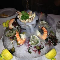 Das Foto wurde bei Mastro's Steakhouse von Amy M. am 12/8/2011 aufgenommen
