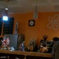 Photo taken at Magnolia Café by Rodolfo O. on 2/24/2012
