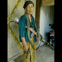 Photo taken at Jabatan Imigresen Malaysia (Immigration Department of Malaysia) by Khafizol I. on 9/22/2011