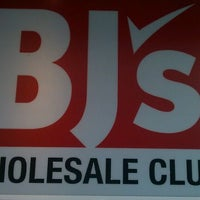 Photo taken at BJ's Wholesale Club by Stevie L. on 9/18/2011