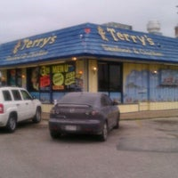 Photo taken at Terry's Seafood & Chicken by Shawn C. on 3/28/2011