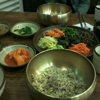 Photo taken at 청국장과 보리밥 by Alex Y. on 10/3/2011