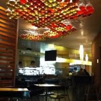 Foto tomada en Crepes & Waffles por Betto N. el 9/30/2011