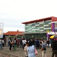 Photo taken at The AXIS Jakarta International Java Jazz Festival 2011 by jakki ⚡ .. on 3/5/2011