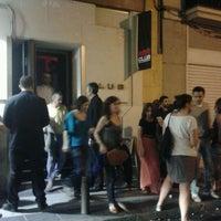 Foto tomada en Rock&Roll Radio Club por Elena B. el 5/26/2012