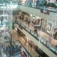 Foto tomada en Mall Florida Center por Hernan R. el 12/8/2011