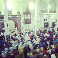 Foto scattata a Masjid al-Hasanah مسجد الحسنة da Jaws I. il 5/11/2012
