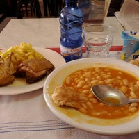 Photo taken at Cafetería Bioloxía - Matemáticas by Fran L. on 1/11/2012